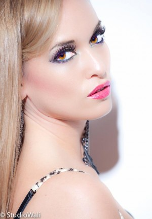 Beauty Headshot of Canadian Model, Kimberly Edwards - MK Kreations Artistry - Kimberly-Edwards.com