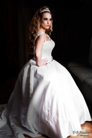 Bridal Shoot with MK Kreations Artistry - Canadian Model, Kimberly Edwards - Kimberly-Edwards.com